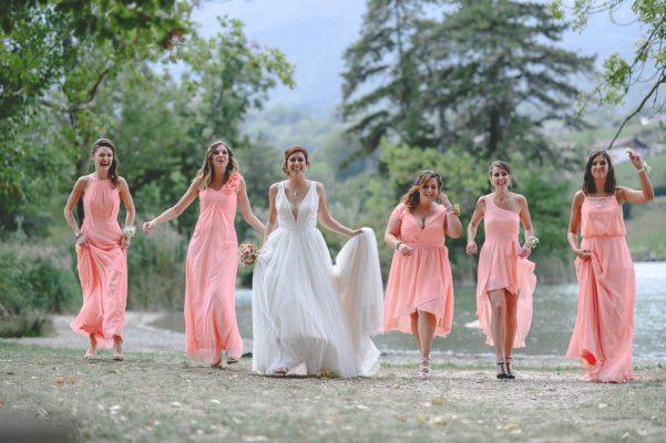 Photo de groupe mariage en savoie près de chambery